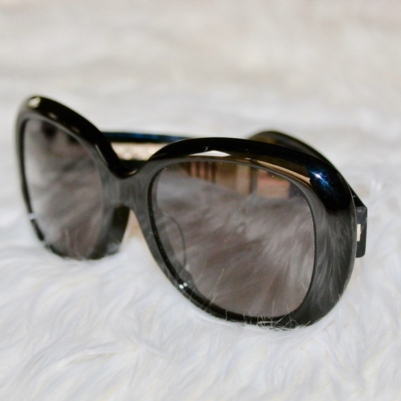 b1daa2954c Gucci Accessories - GUCCI GG0140SA BLACK OVAL LOGO SUNGLASSES